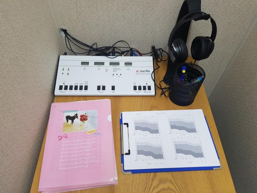 대구보청기 밝은귀보청기 청력검사기기2